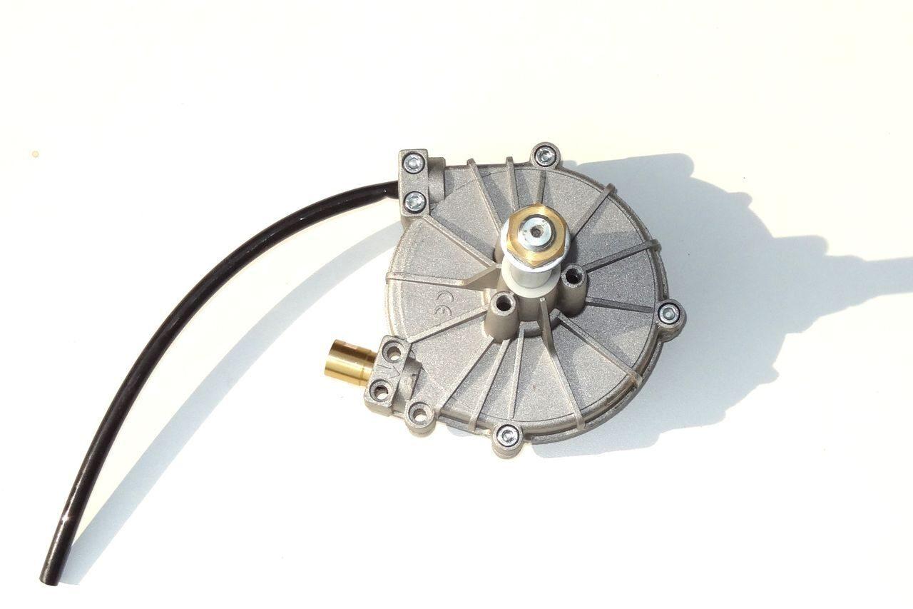 редуктор для рулевого управления лодочным мотором